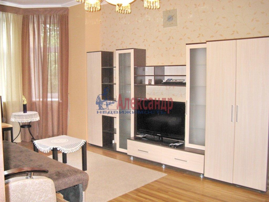 3-комнатная квартира (92м2) в аренду по адресу Октябрьская наб., 98— фото 1 из 6