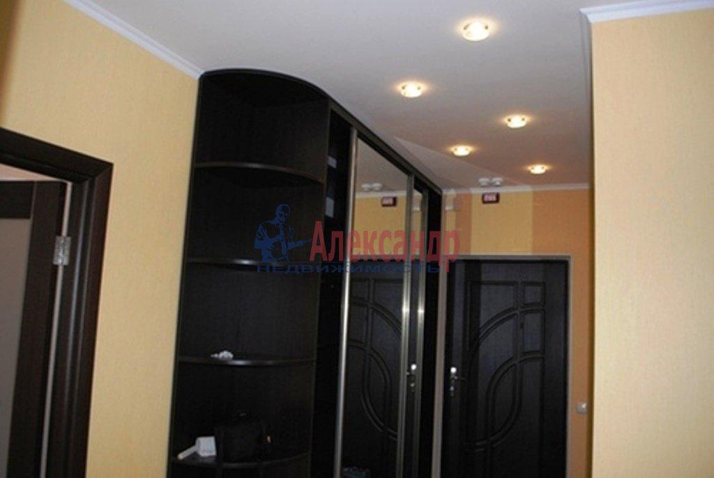 2-комнатная квартира (80м2) в аренду по адресу Обуховской Обороны пр., 110— фото 9 из 10