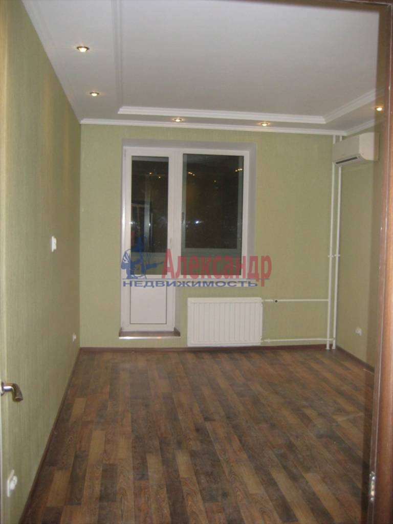 2-комнатная квартира (60м2) в аренду по адресу Коломяжский пр., 28— фото 2 из 6