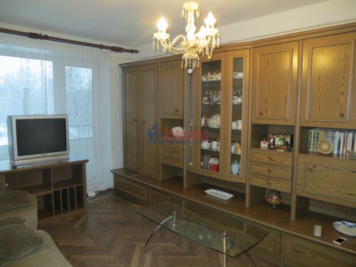 1-комнатная квартира (40м2) в аренду по адресу Светлановский просп., 37— фото 1 из 3
