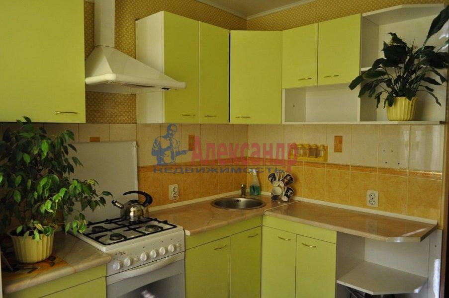 1-комнатная квартира (36м2) в аренду по адресу Луначарского пр., 39— фото 2 из 3