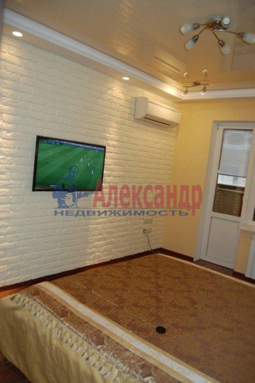 2-комнатная квартира (68м2) в аренду по адресу Дрезденская ул., 11— фото 10 из 11