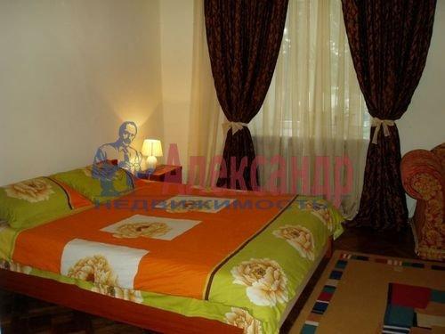 Комната в 3-комнатной квартире (79м2) в аренду по адресу Восстания ул., 25— фото 1 из 3