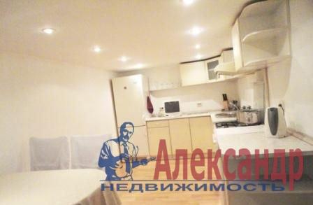 2-комнатная квартира (89м2) в аренду по адресу Невский пр., 74— фото 2 из 3