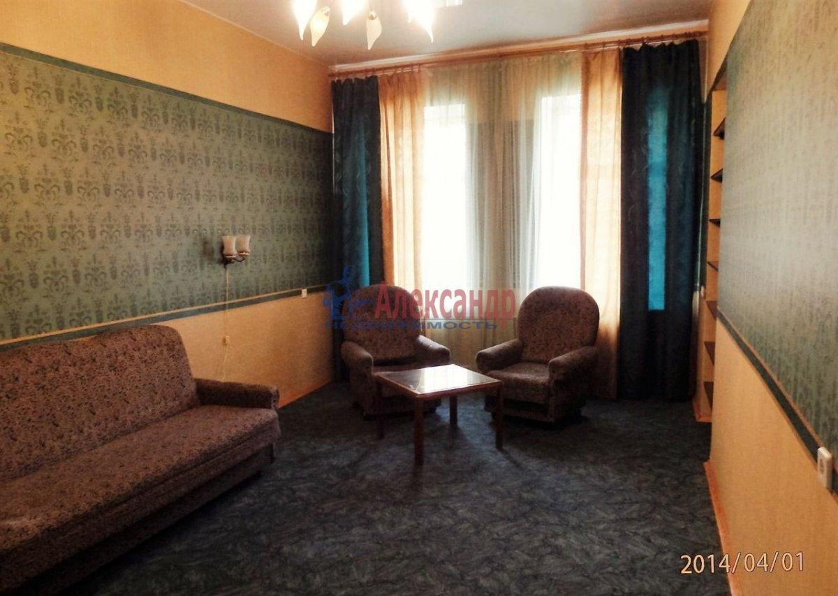 1-комнатная квартира (44м2) в аренду по адресу Ярослава Гашека ул., 4— фото 2 из 3