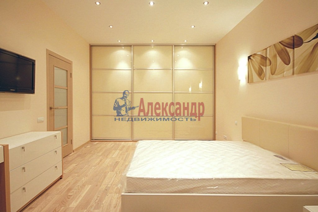 2-комнатная квартира (75м2) в аренду по адресу Московский просп., 183— фото 1 из 3