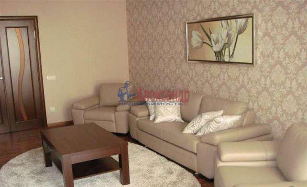 3-комнатная квартира (91м2) в аренду по адресу Комендантский пр., 16— фото 1 из 4