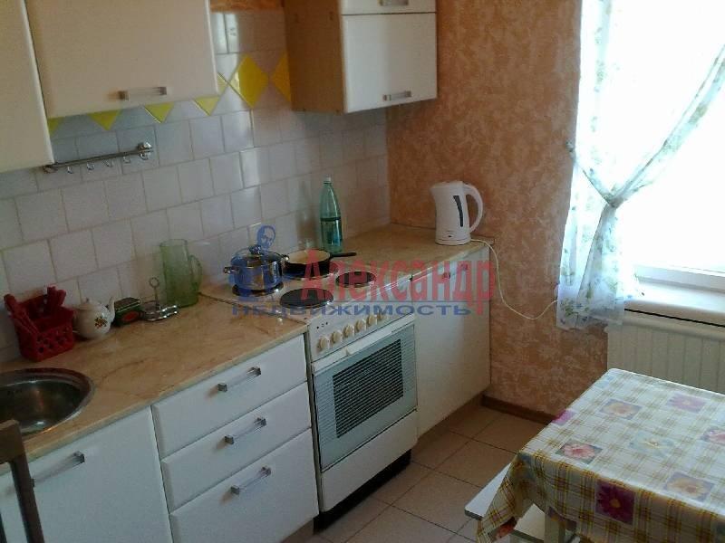 2-комнатная квартира (54м2) в аренду по адресу Ленинский пр., 119— фото 2 из 7