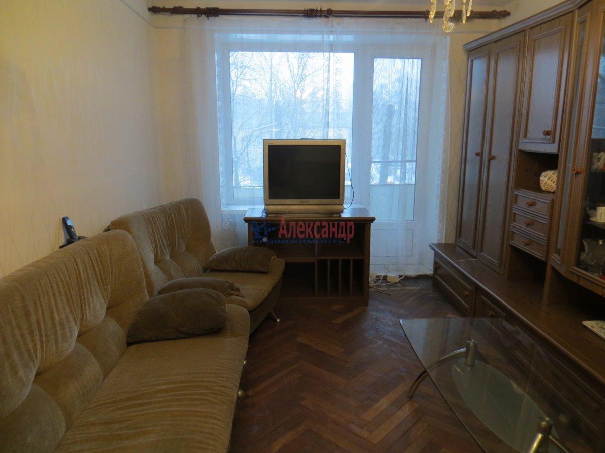 1-комнатная квартира (40м2) в аренду по адресу Светлановский просп., 37— фото 2 из 3