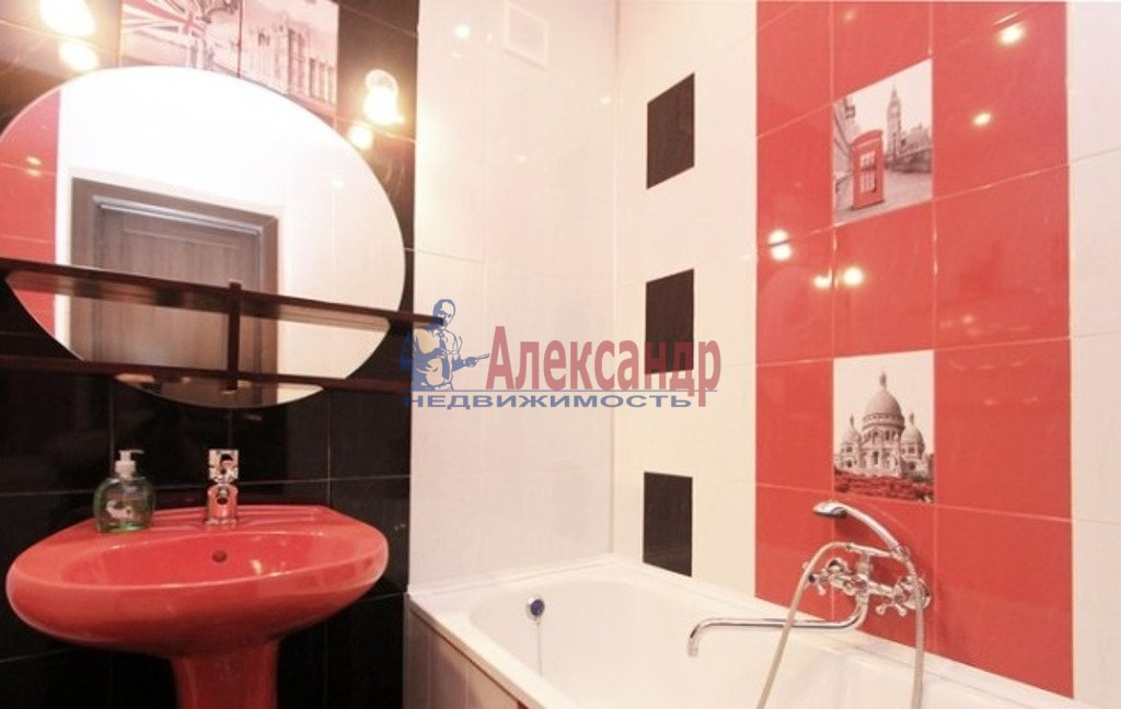 1-комнатная квартира (35м2) в аренду по адресу Луначарского пр., 78— фото 5 из 5