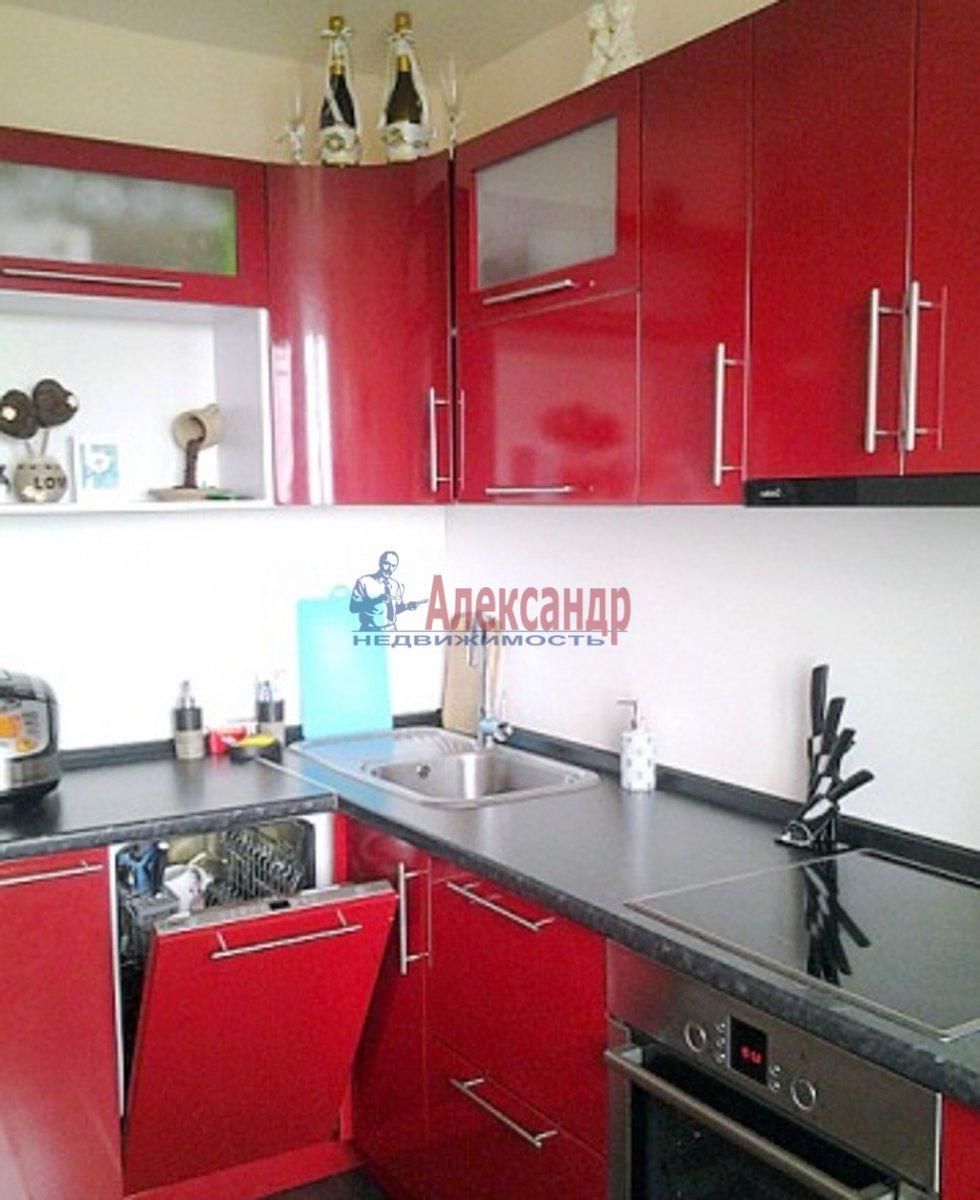 1-комнатная квартира (33м2) в аренду по адресу Славы пр., 21— фото 2 из 3