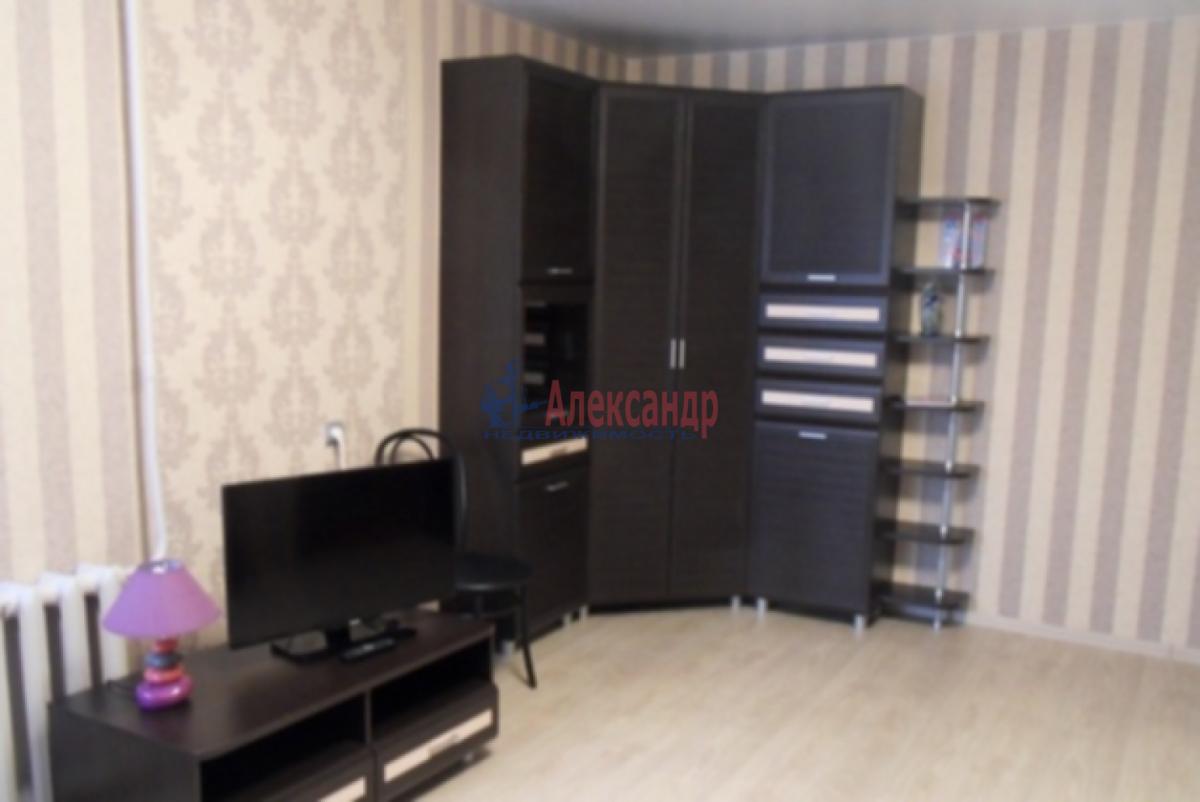 1-комнатная квартира (40м2) в аренду по адресу Ленинский пр., 111— фото 2 из 5