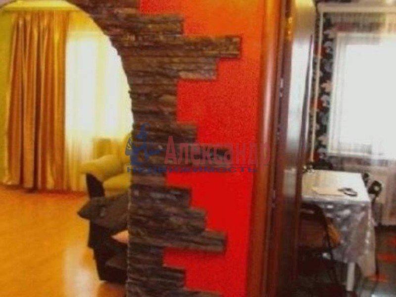1-комнатная квартира (36м2) в аренду по адресу Большеохтинский пр., 11— фото 2 из 3