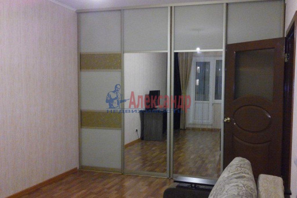 Комната в 3-комнатной квартире (57м2) в аренду по адресу Луначарского пр., 58— фото 2 из 3