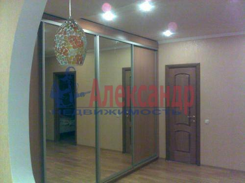 1-комнатная квартира (43м2) в аренду по адресу Шелгунова ул., 7— фото 2 из 4
