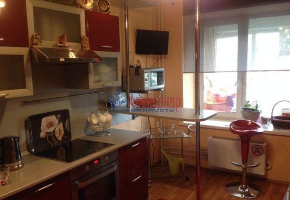 1-комнатная квартира (40м2) в аренду по адресу Ильюшина ул., 15— фото 2 из 4