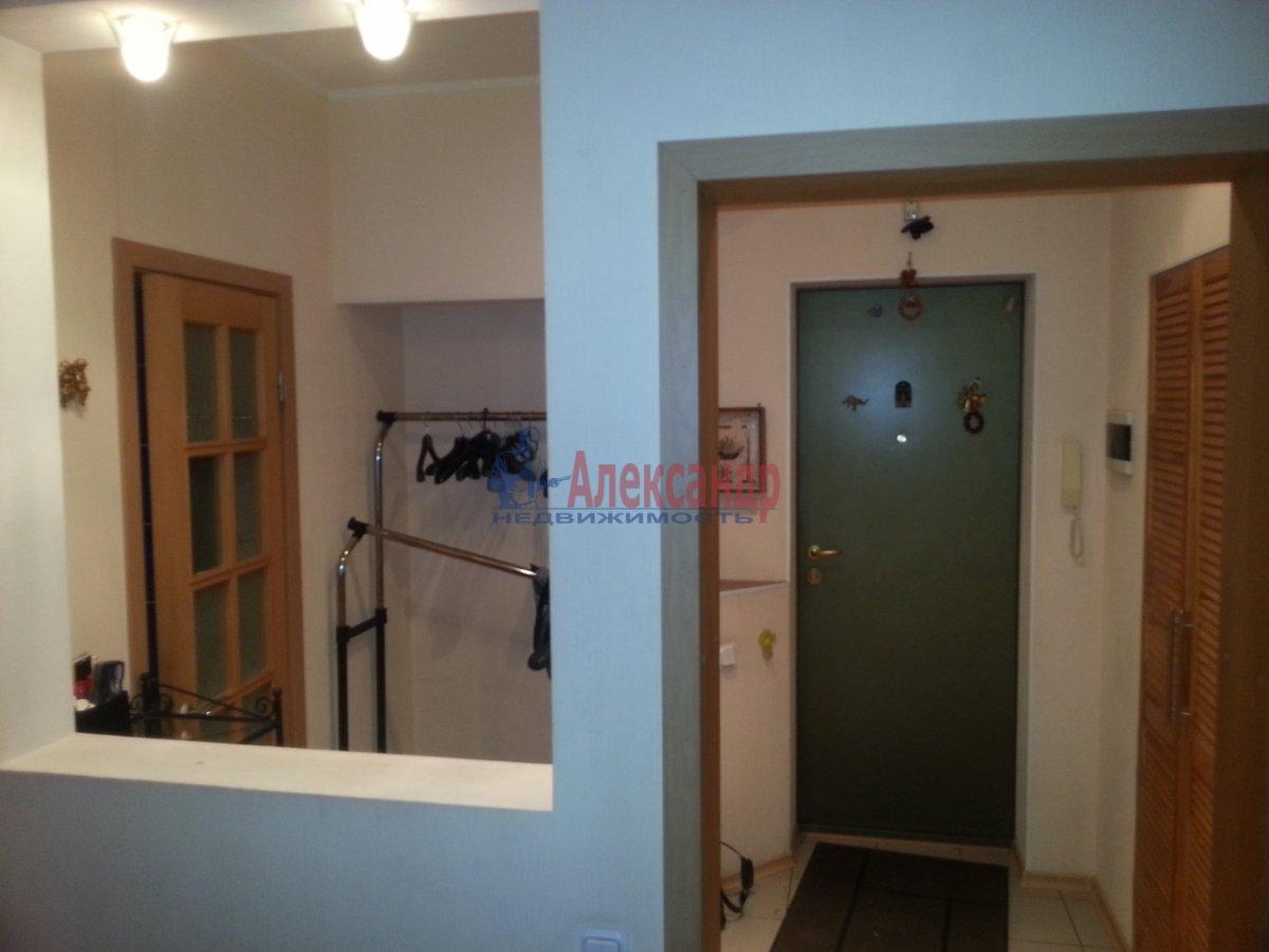 2-комнатная квартира (70м2) в аренду по адресу Бассейная ул., 89— фото 1 из 10