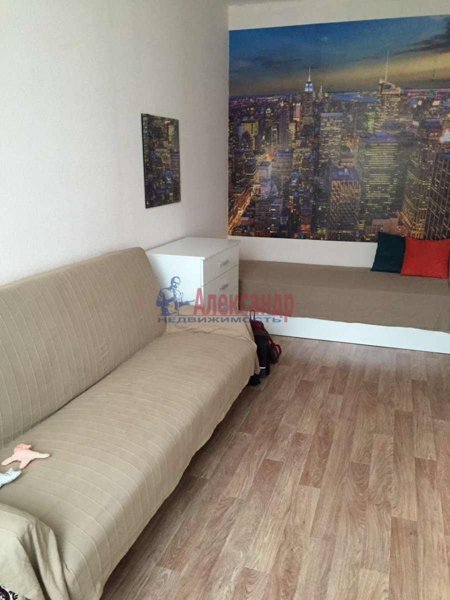 1-комнатная квартира (35м2) в аренду по адресу Ириновский пр., 34— фото 9 из 11