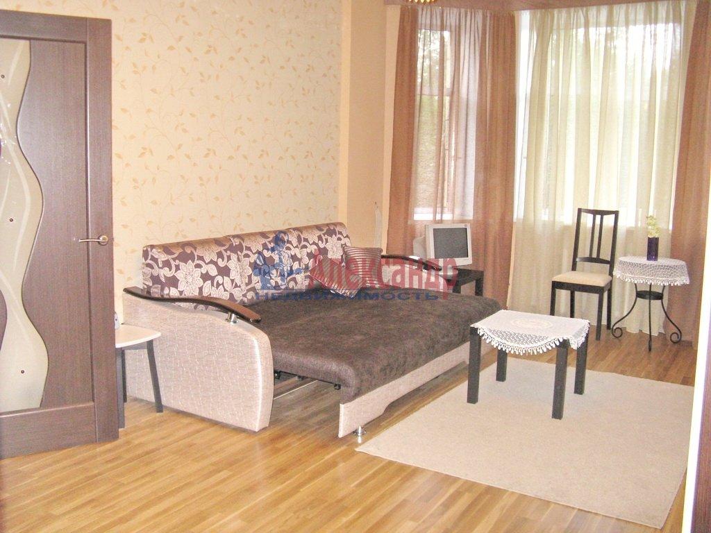 3-комнатная квартира (92м2) в аренду по адресу Октябрьская наб., 98— фото 4 из 6