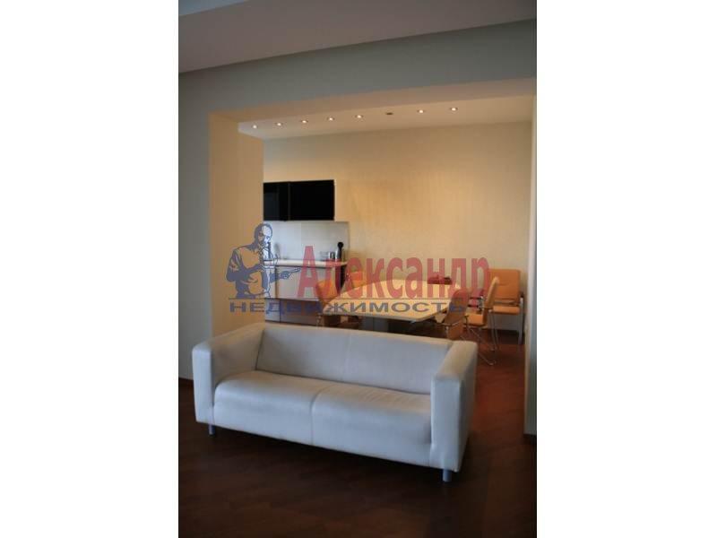 3-комнатная квартира (130м2) в аренду по адресу Тореза пр., 112— фото 1 из 9