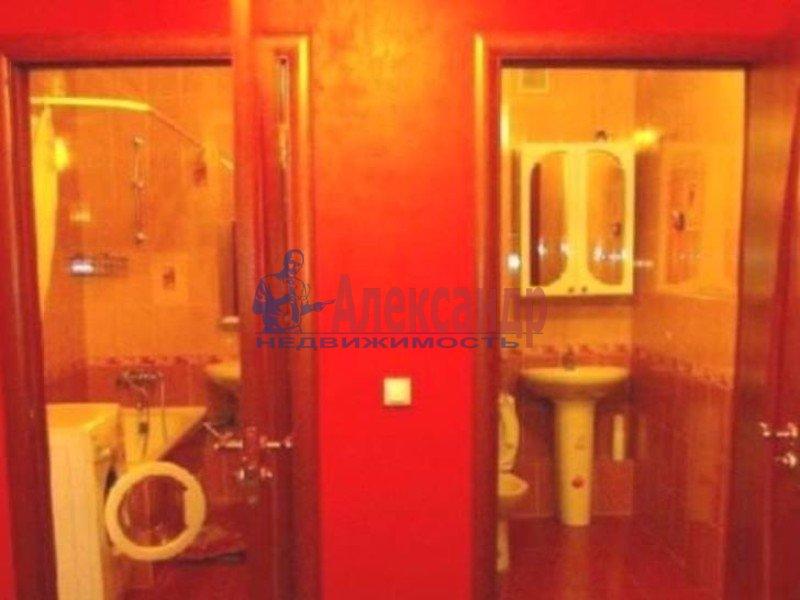 1-комнатная квартира (36м2) в аренду по адресу Большеохтинский пр., 11— фото 3 из 3