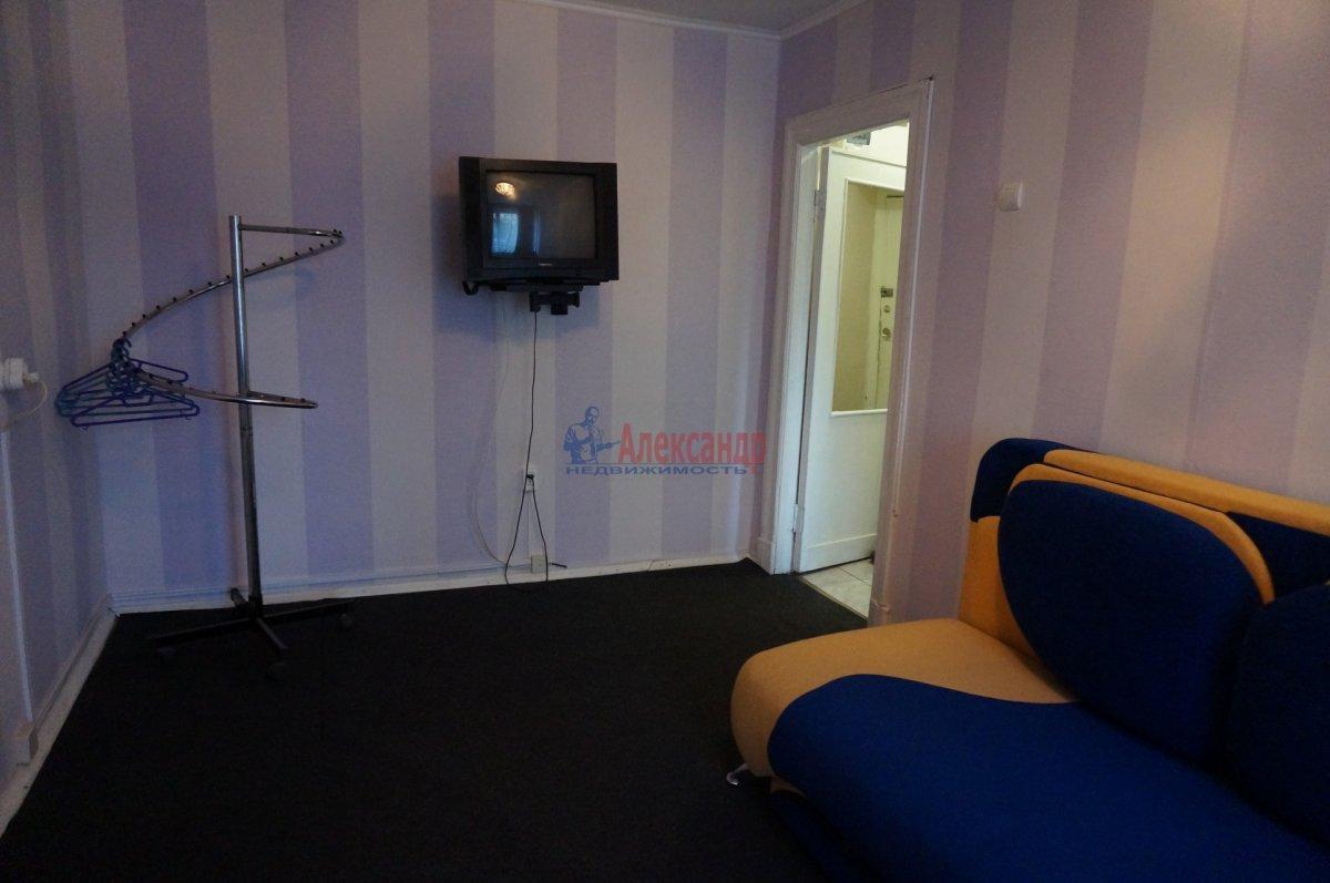 2-комнатная квартира (42м2) в аренду по адресу Тамбовская ул., 47— фото 2 из 11