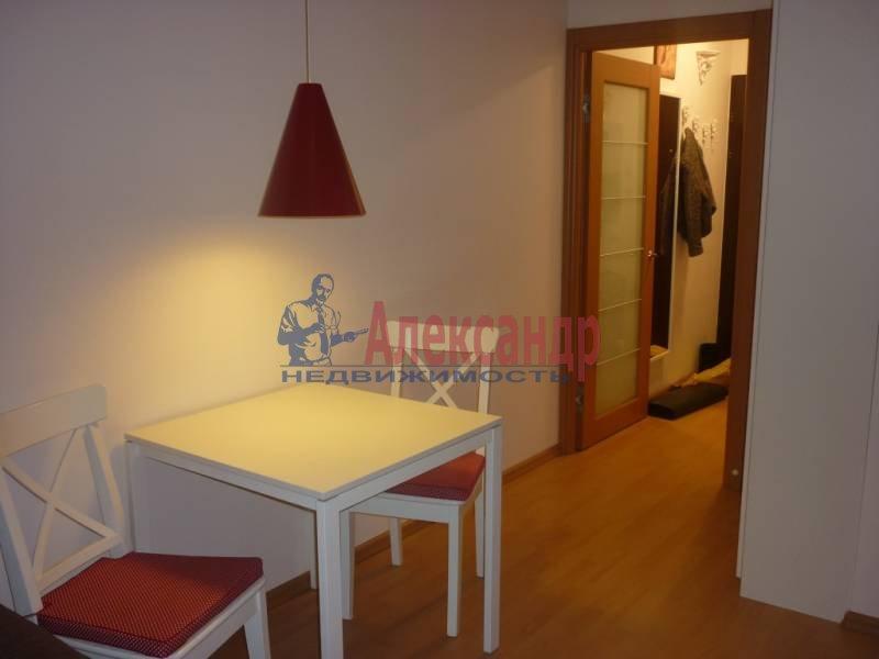 1-комнатная квартира (39м2) в аренду по адресу Новолитовская ул., 4— фото 3 из 4
