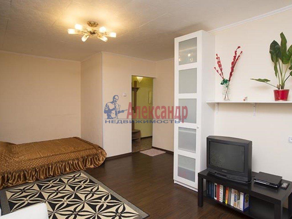 1-комнатная квартира (37м2) в аренду по адресу 9 линия В.О., 46— фото 1 из 2