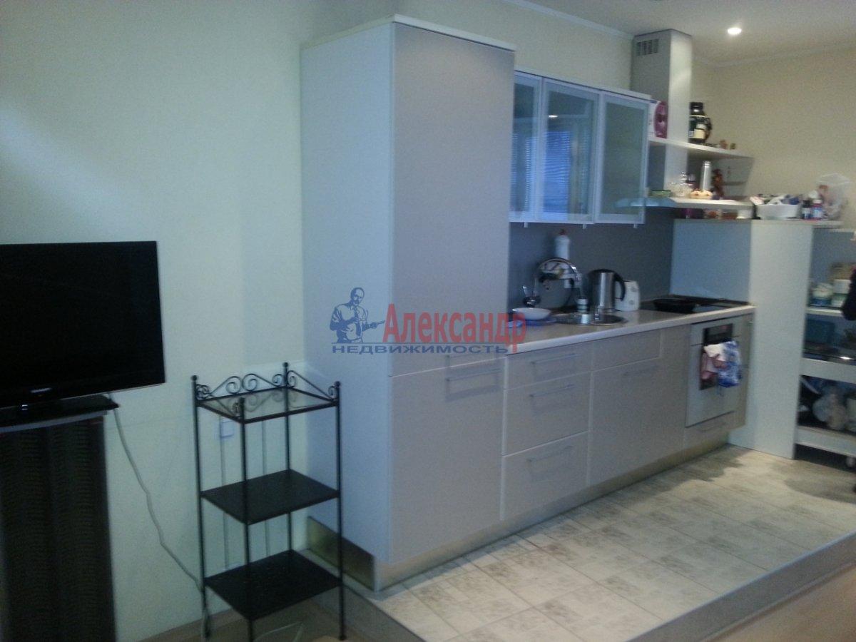 2-комнатная квартира (70м2) в аренду по адресу Бассейная ул., 89— фото 3 из 10