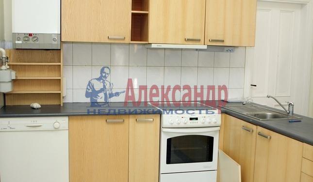1-комнатная квартира (33м2) в аренду по адресу Обуховской Обороны пр., 138— фото 2 из 2