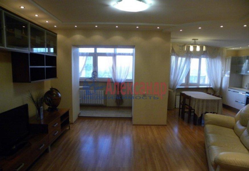 4-комнатная квартира (130м2) в аренду по адресу Невский пр., 19— фото 2 из 9