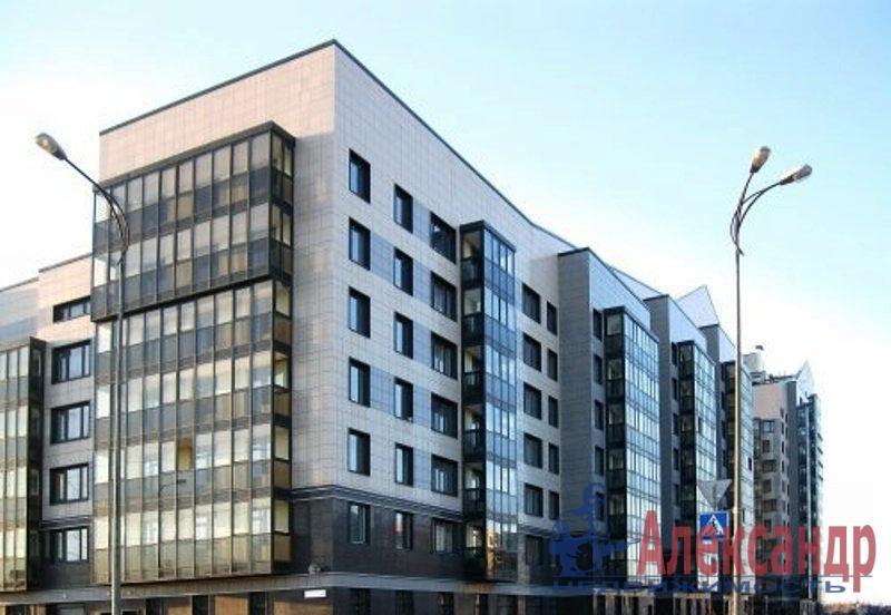 3-комнатная квартира (90м2) в аренду по адресу Петергофское шос., 57— фото 1 из 10