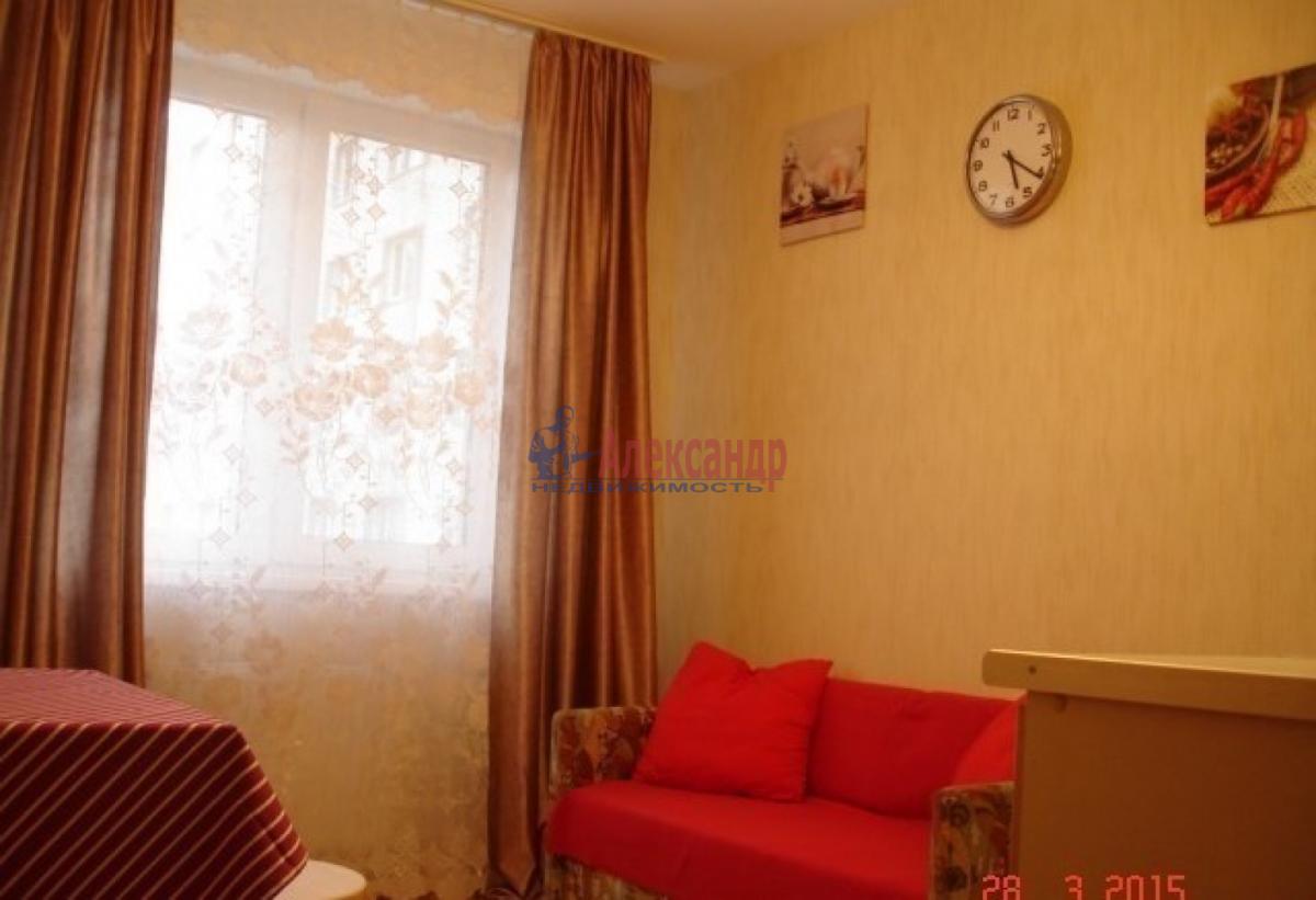 1-комнатная квартира (39м2) в аренду по адресу Шушары пос., Галицкая ул.— фото 1 из 4