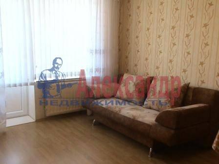 1-комнатная квартира (35м2) в аренду по адресу Ленинский пр., 121— фото 2 из 3