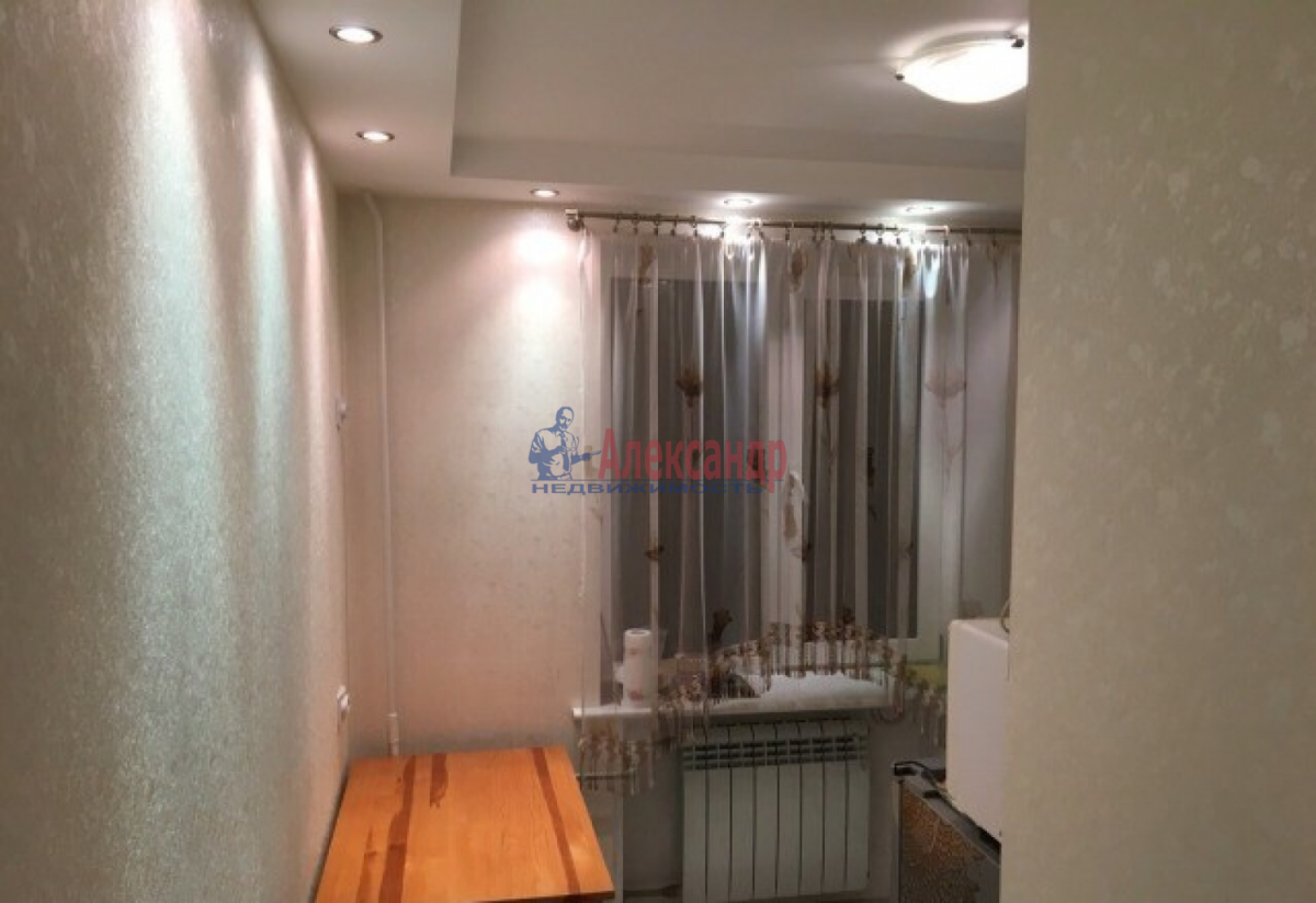1-комнатная квартира (32м2) в аренду по адресу Беринга ул.— фото 4 из 5