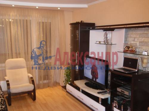 1-комнатная квартира (45м2) в аренду по адресу Комендантский пр., 7— фото 2 из 3