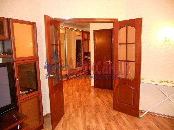 2-комнатная квартира (70м2) в аренду по адресу Кораблестроителей ул., 30— фото 4 из 7