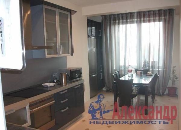 2-комнатная квартира (79м2) в аренду по адресу Морская наб., 21— фото 1 из 3