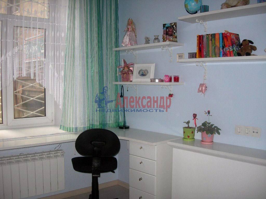 2-комнатная квартира (65м2) в аренду по адресу Дегтярный пер., 8— фото 4 из 8