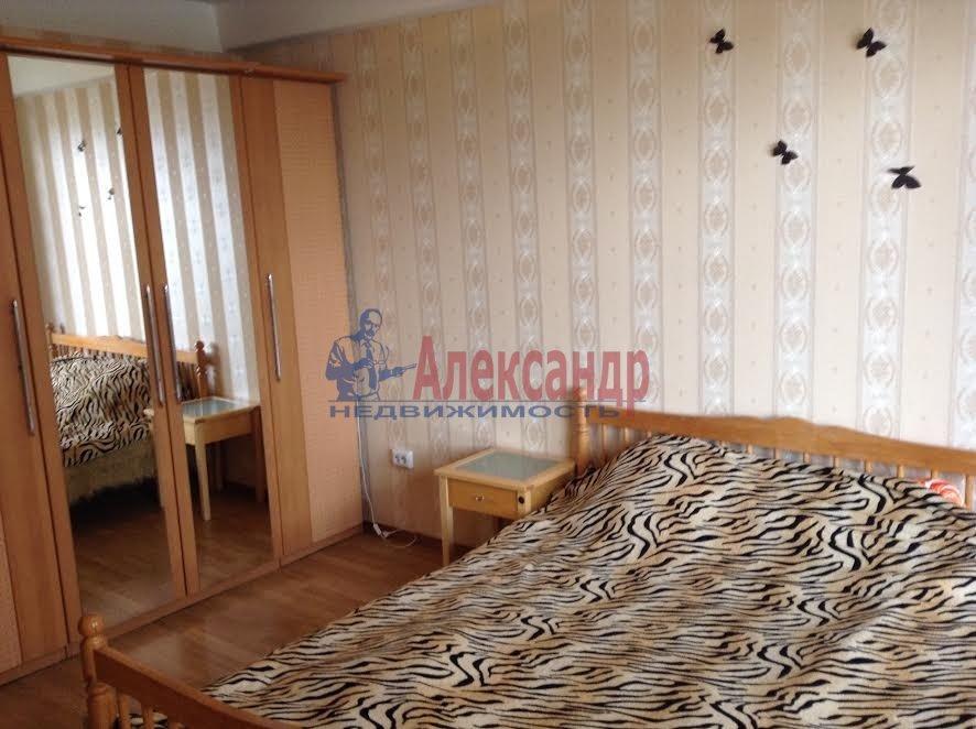 2-комнатная квартира (65м2) в аренду по адресу Художников пр., 33— фото 1 из 8