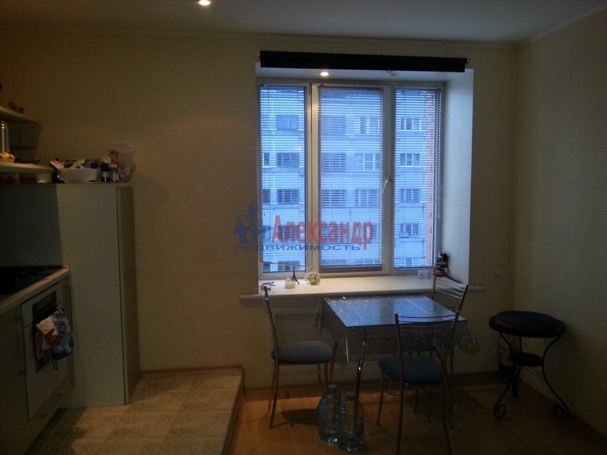 2-комнатная квартира (70м2) в аренду по адресу Бассейная ул., 89— фото 5 из 10