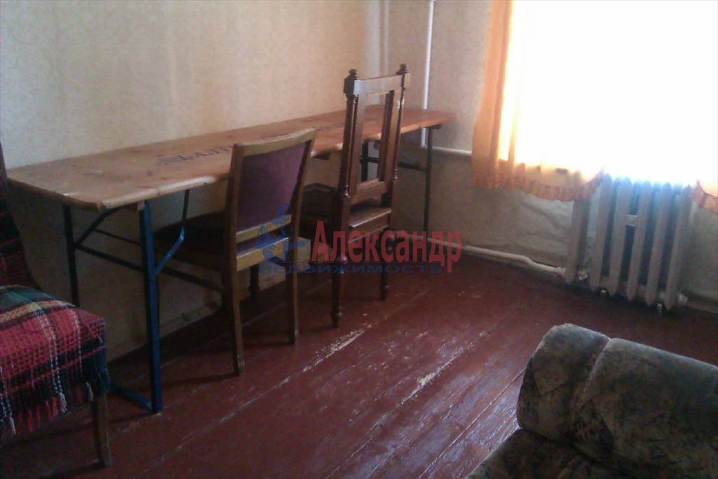3-комнатная квартира (72м2) в аренду по адресу Синопская наб., 72— фото 2 из 9
