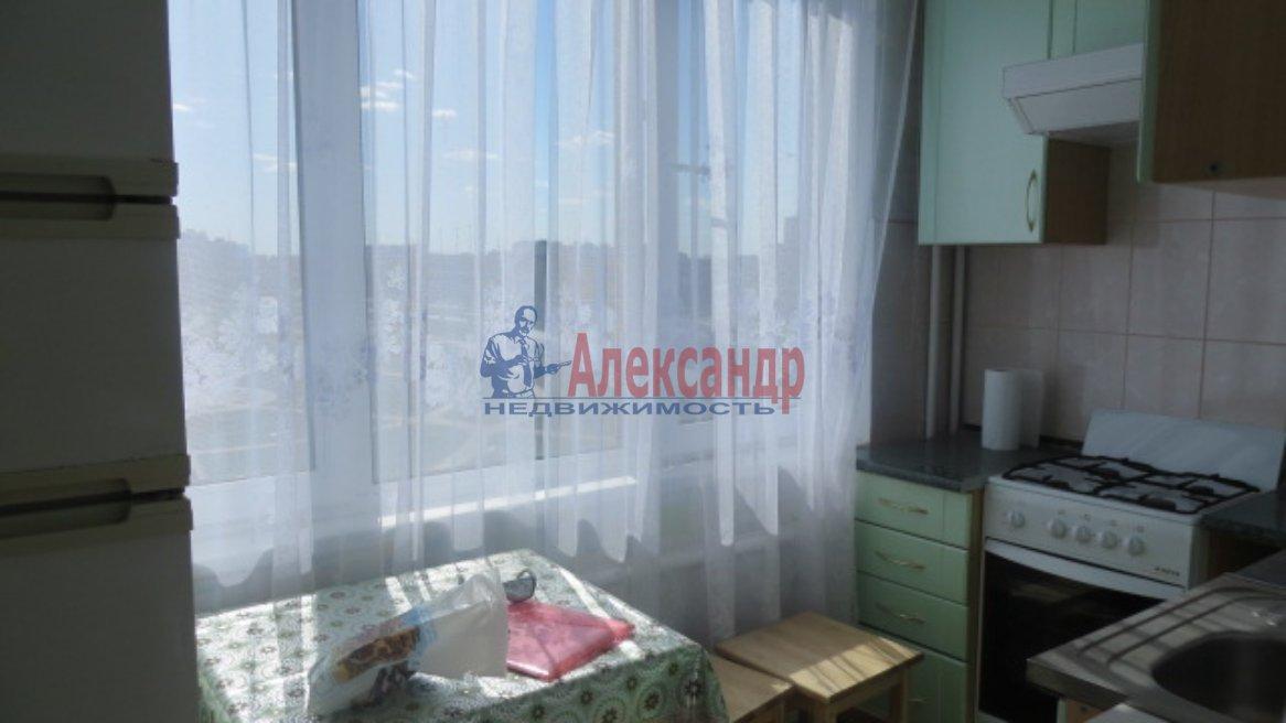 1-комнатная квартира (35м2) в аренду по адресу Нахимова ул., 8— фото 1 из 6