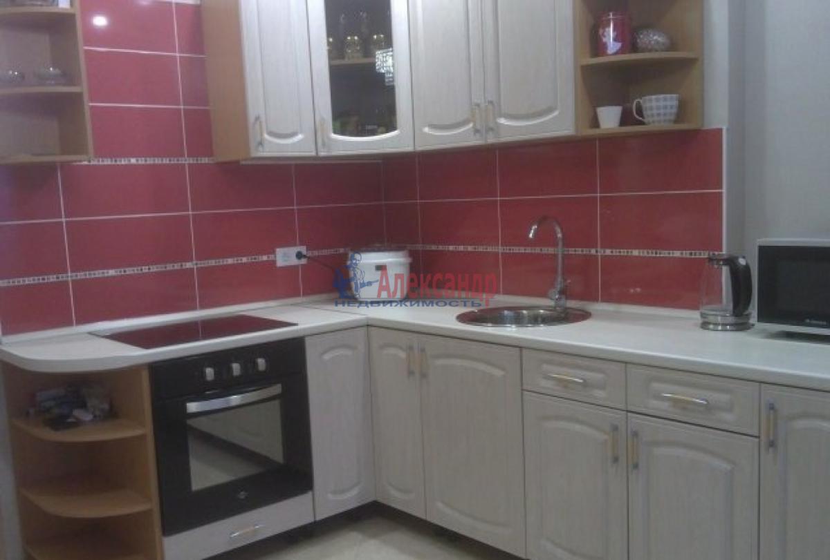 2-комнатная квартира (70м2) в аренду по адресу Ветеранов пр., 75— фото 2 из 5