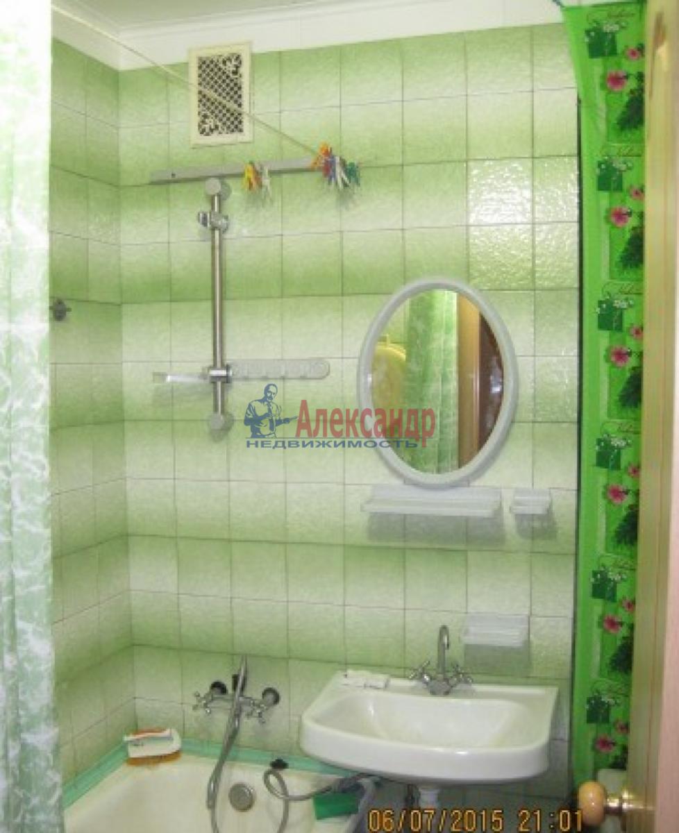 1-комнатная квартира (32м2) в аренду по адресу Димитрова ул., 18— фото 2 из 4