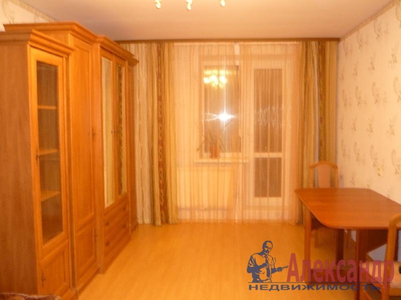 1-комнатная квартира (35м2) в аренду по адресу Грибакиных ул., 4— фото 2 из 3