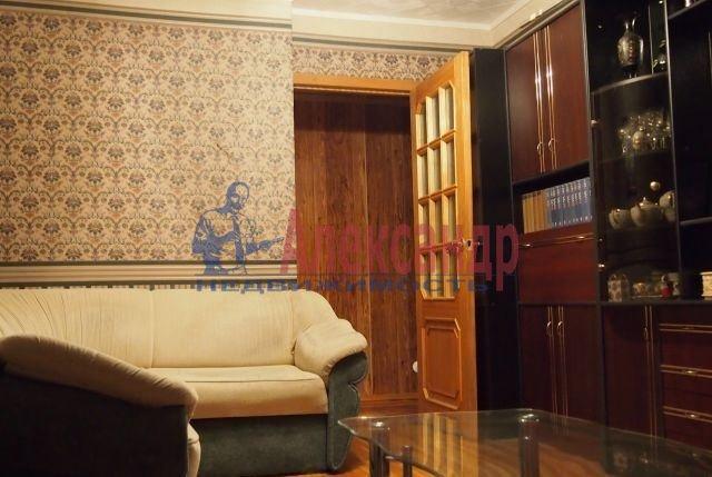 2-комнатная квартира (46м2) в аренду по адресу Федосеенко ул., 7— фото 1 из 7
