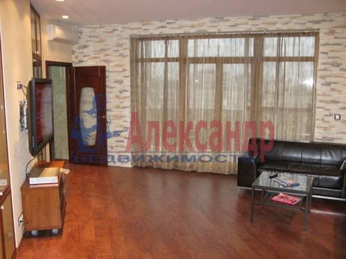 1-комнатная квартира (120м2) в аренду по адресу Новочеркасский пр., 33— фото 7 из 7