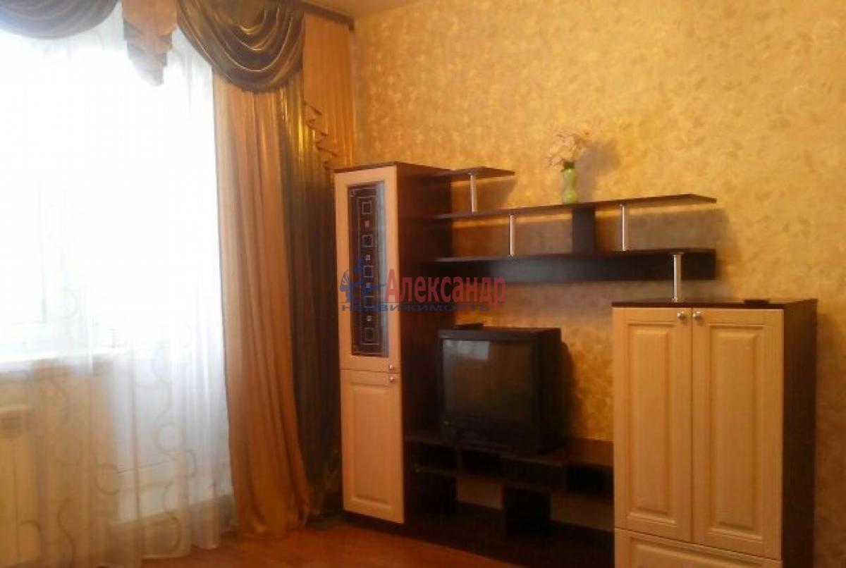 1-комнатная квартира (39м2) в аренду по адресу Ленинский пр., 75— фото 1 из 6