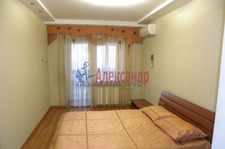 4-комнатная квартира (130м2) в аренду по адресу Невский пр., 19— фото 5 из 9